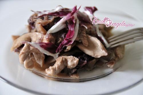 straccetti di pollo con radicchio e funghi