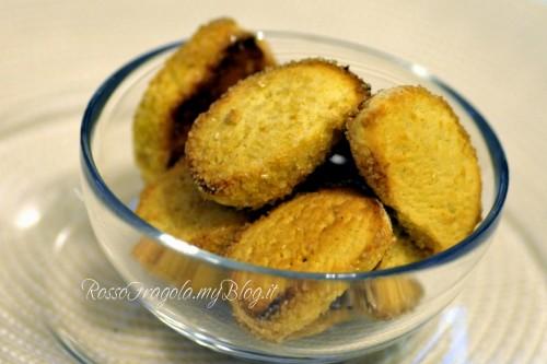 rustichelli,biscotti secchi,dessert,dolci,ricette dolci,biscotti ricette,cucina,ricette,rosso fragola,